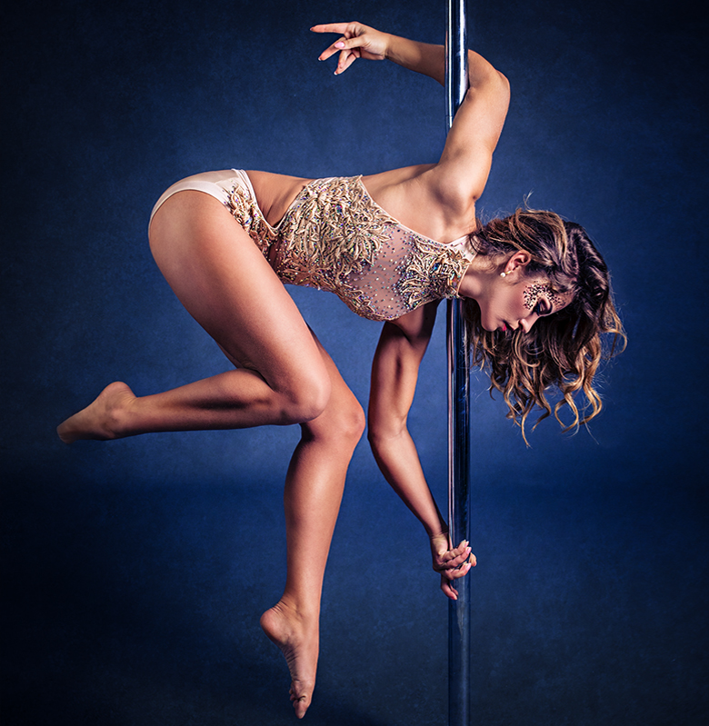 ana-delia-pole-dance-rosenheim-jan1